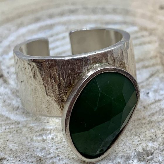 anillo pieza unica plata y onix verde
